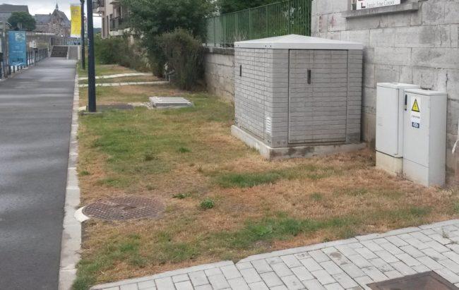 Un poste de relevage intégré dans un environnement urbain
